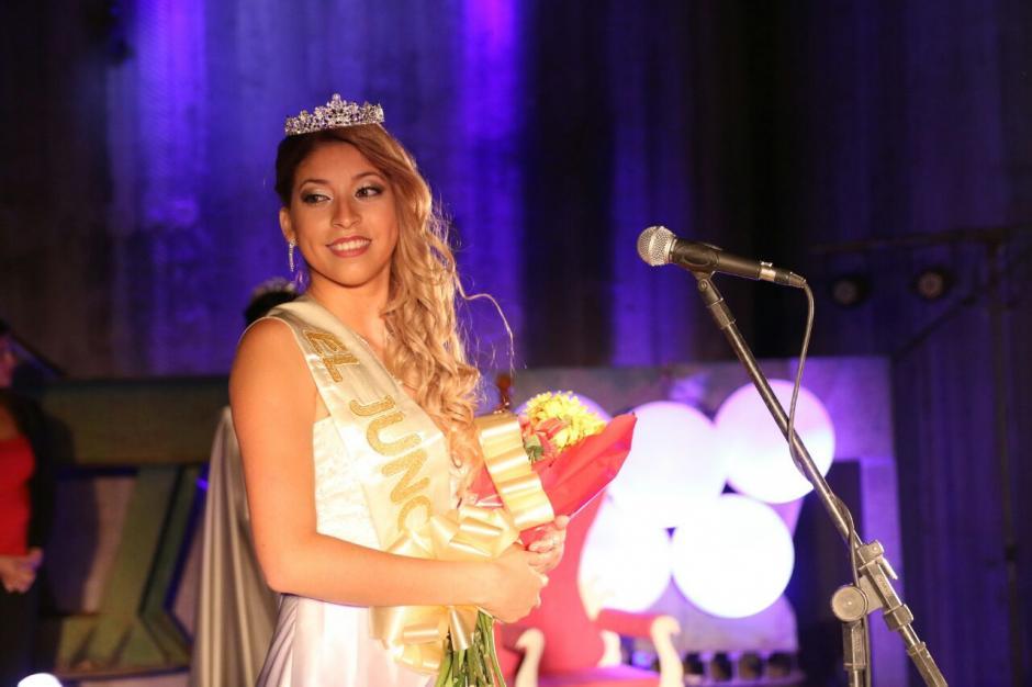Florencia Burgos es la nueva reina de El Juncalito